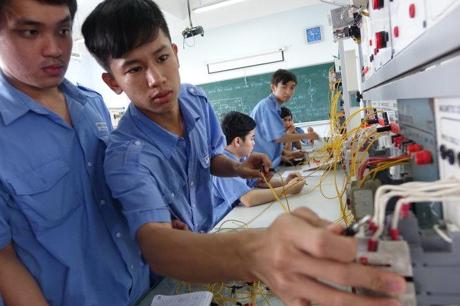 Các ngành Kỹ thuật dễ xin việc? Ngành nghề có cơ hội việc làm lớn